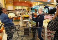 Ellen & Oprah Take Over a Grocery Store Part 1