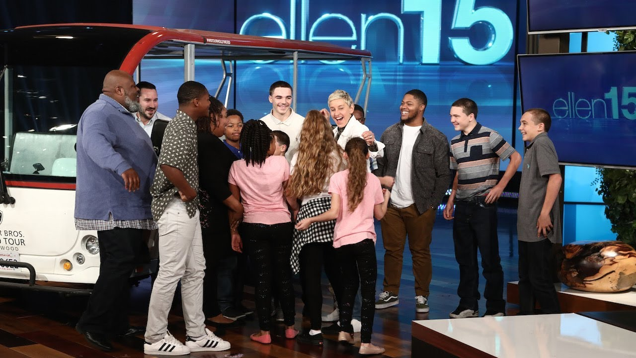 Ellen Surprises the Amazing Sanders Family