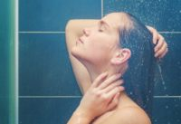 How This Showering Trick Can Make You More Energized for the Workday