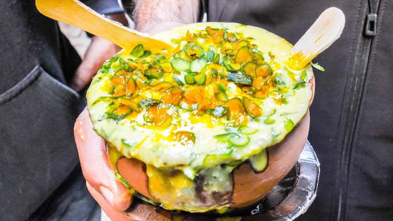 TASTY Indian STREET FOOD Tour DEEP in Varanasi,  INDIA   MESSY + CHEAP CURRY and Vegetarian HEAVEN!