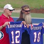 Bradshaw reunites with Duck Dynasty's Phil Robertson