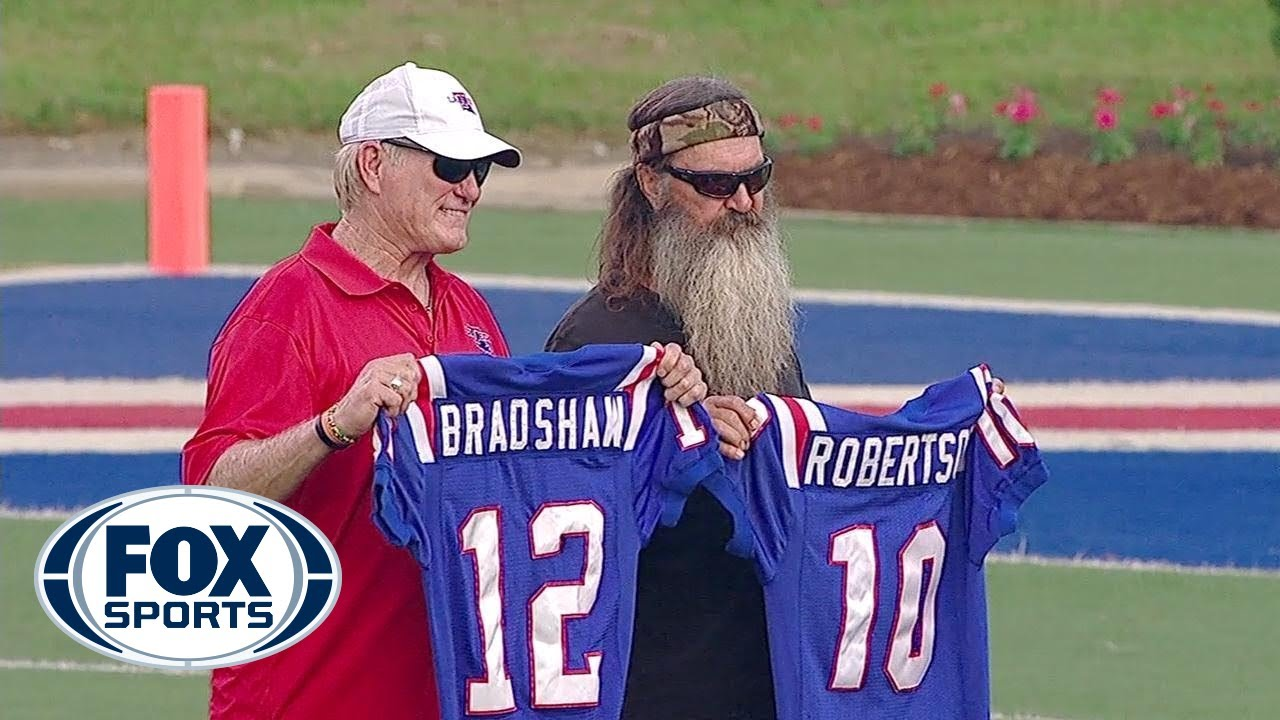 Bradshaw reunites with Duck Dynasty's Phil Robertson